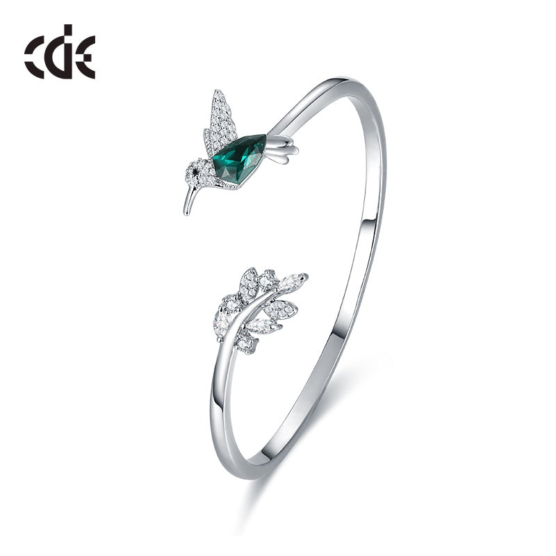Sterling silver Emerald hummingbird with a shiny leaf bangle - CDE Jewelry Egypt