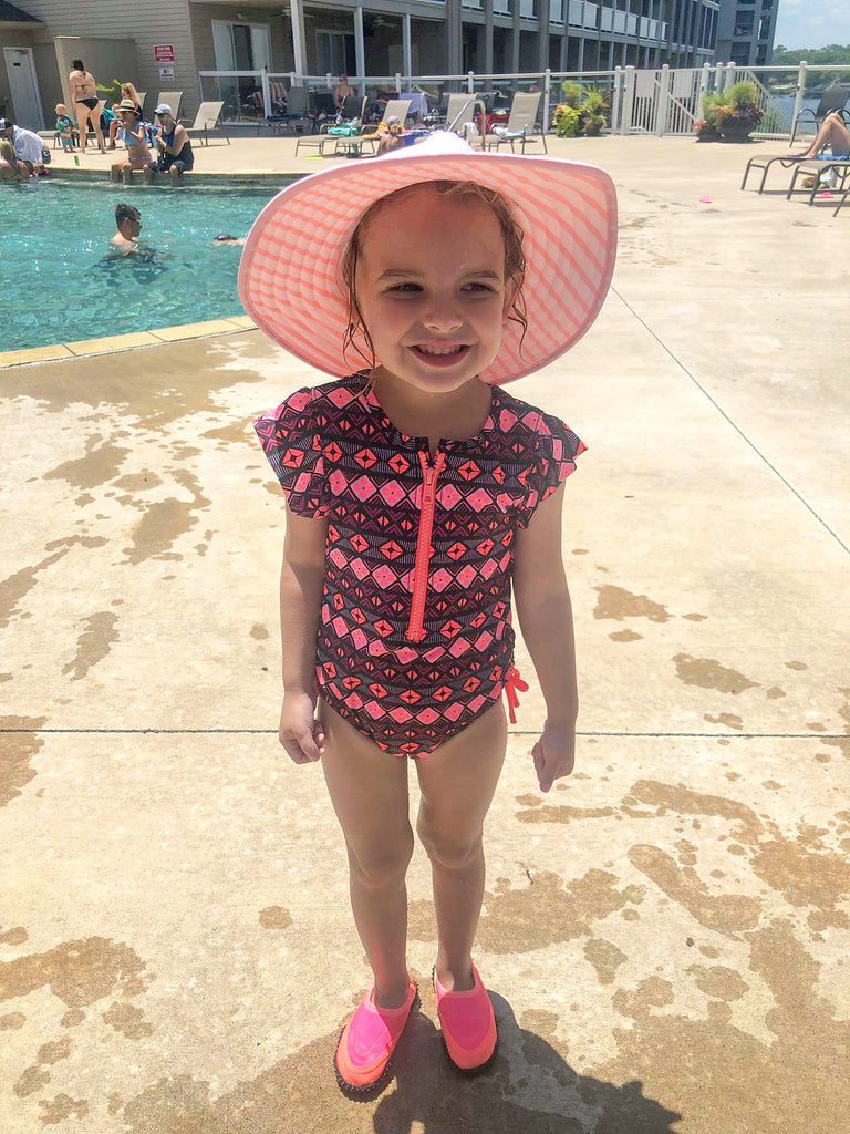 girl's fashion, ozarks, land's end condo pool
