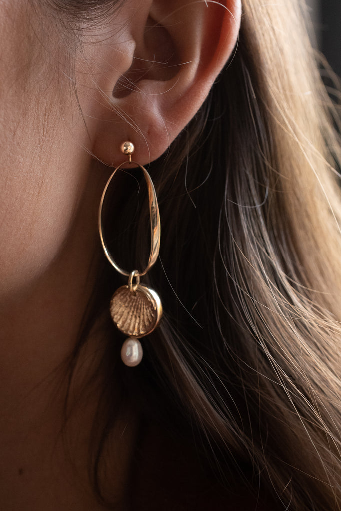 DELLA PEARL EARRINGS