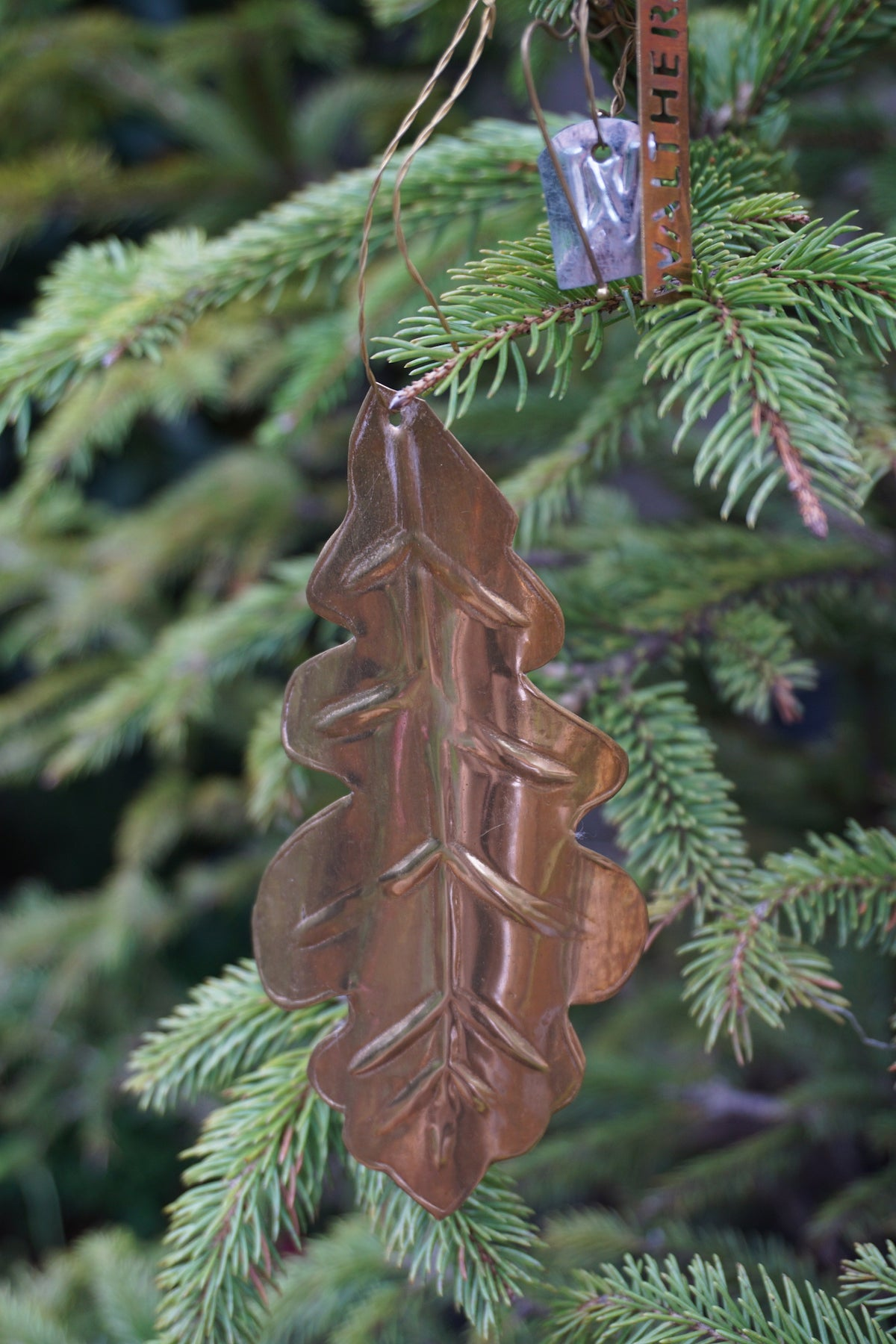 walther co oak leaf ornament lily pond lily pond