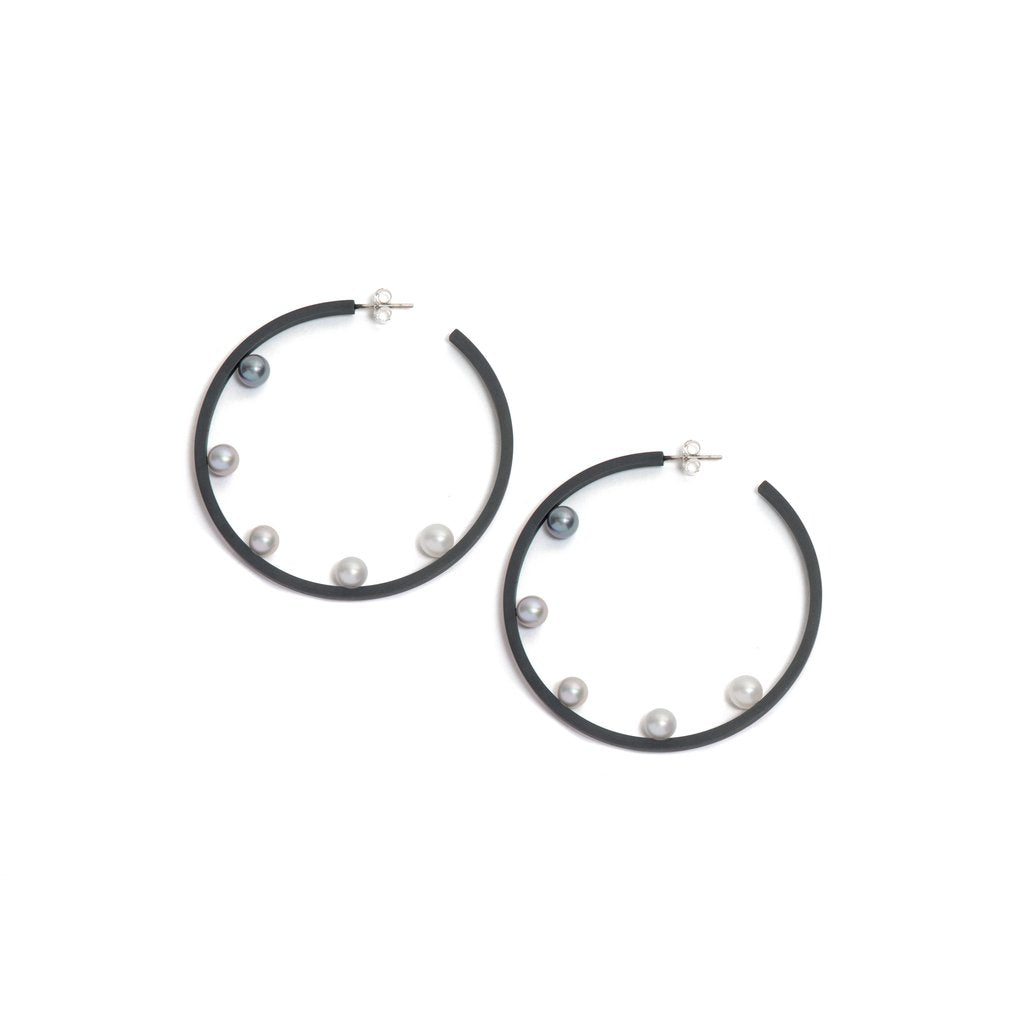 Gradient Five Pearl Hoop Earrings