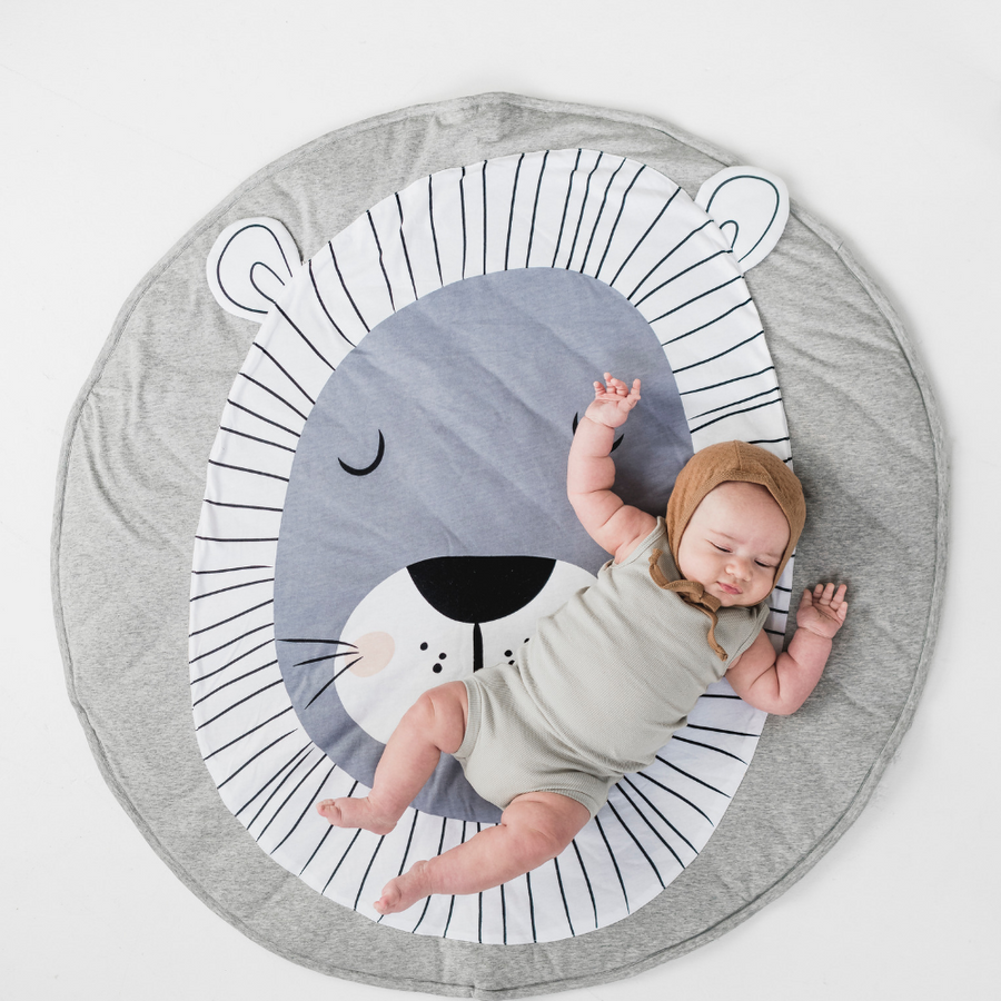 Lion Playmat, Mister Fly - Annie and Islabean
