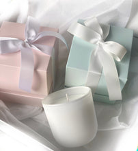 Load image into Gallery viewer, Bridal Party Candle Gift Set of 4