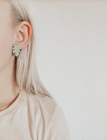 Stud Monstera Clay Earrings in Mint