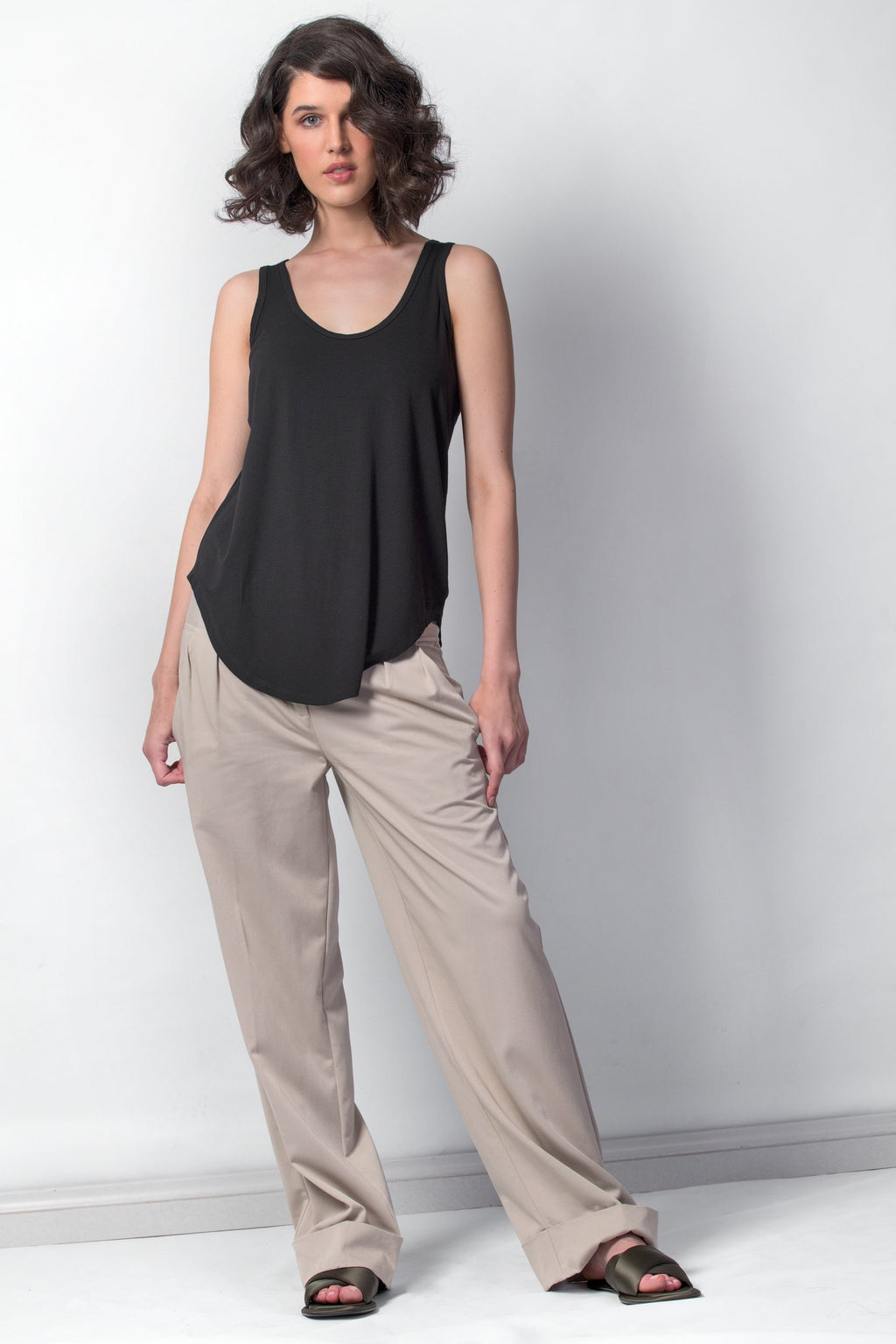carbonC1037 scoop hem tank