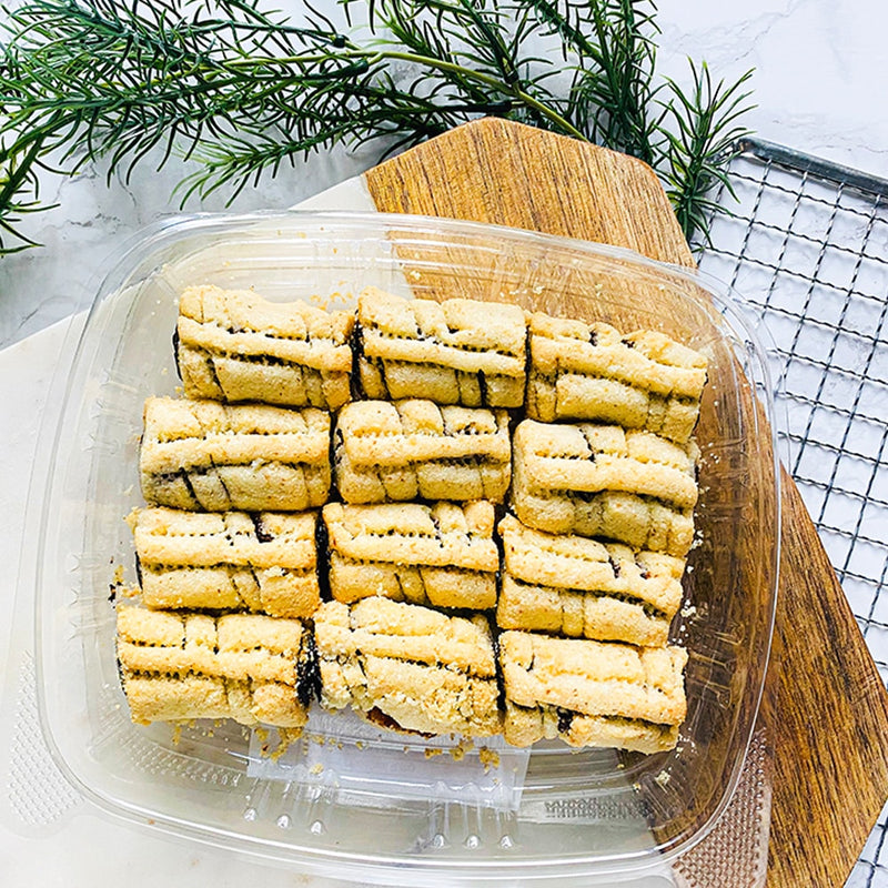 Ma'amoul (Date cookies)
