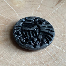 Black Raven Batik Connector
