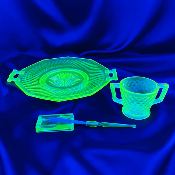 4pc Set: Lil Rectangle Ashtray, Handled Stash Cup, Handled Starburst Rolling Tray, Glass Holder