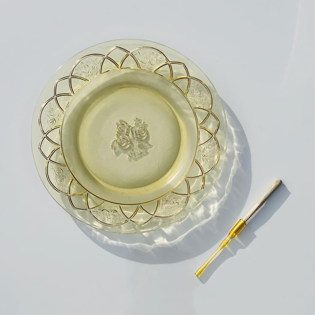 2pc Yellow Rose Rolling Tray + Amber Glass Holder Set