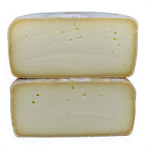 Pecorino semi-stagionato cheese