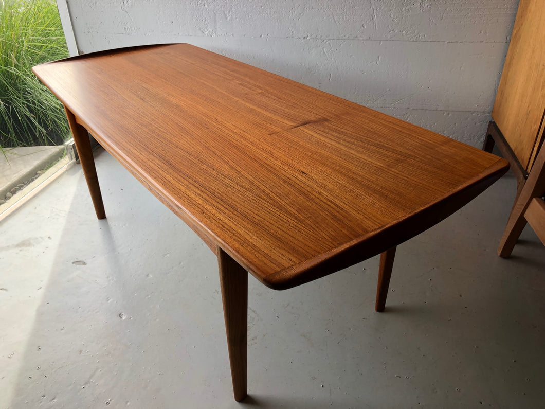 TOVE & EDVARD KINDT LARSEN COFFEE TABLE