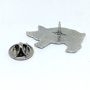 chefjewelry sterling silver pig pin has a secure clutch back