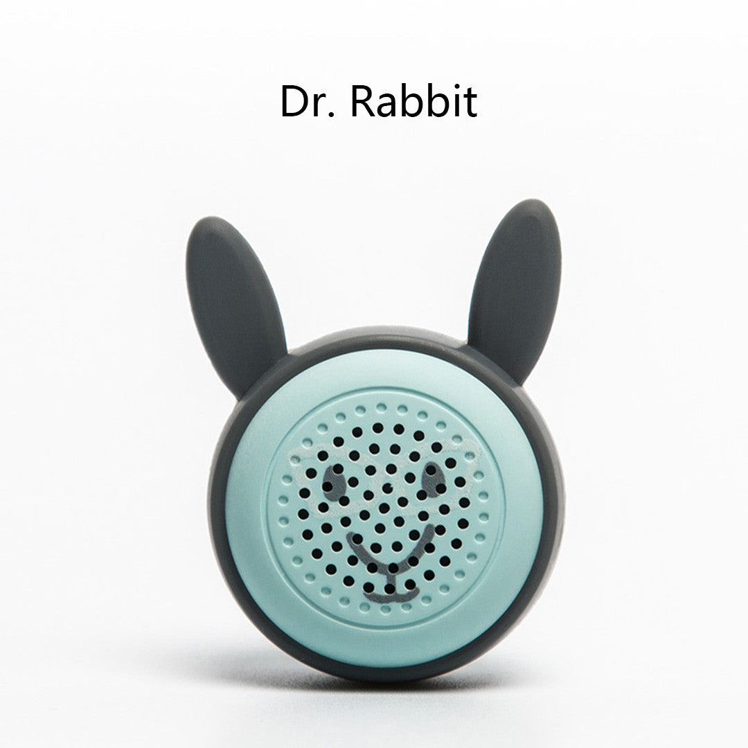 Mini Bluetooth Selfie Speaker Lovely Animal Design Wireless Button Shutter Self-timer Function Loud Voice Portable Selfie Speaker (Miss Kitty)
