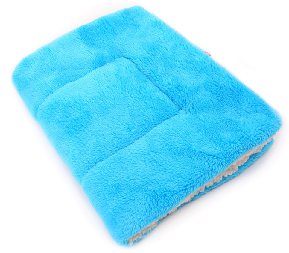 Soft Winter Pet Blanket blue