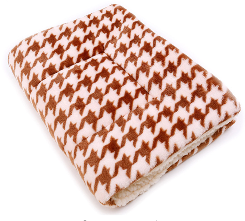 Soft Winter Pet Blanket grid pattern