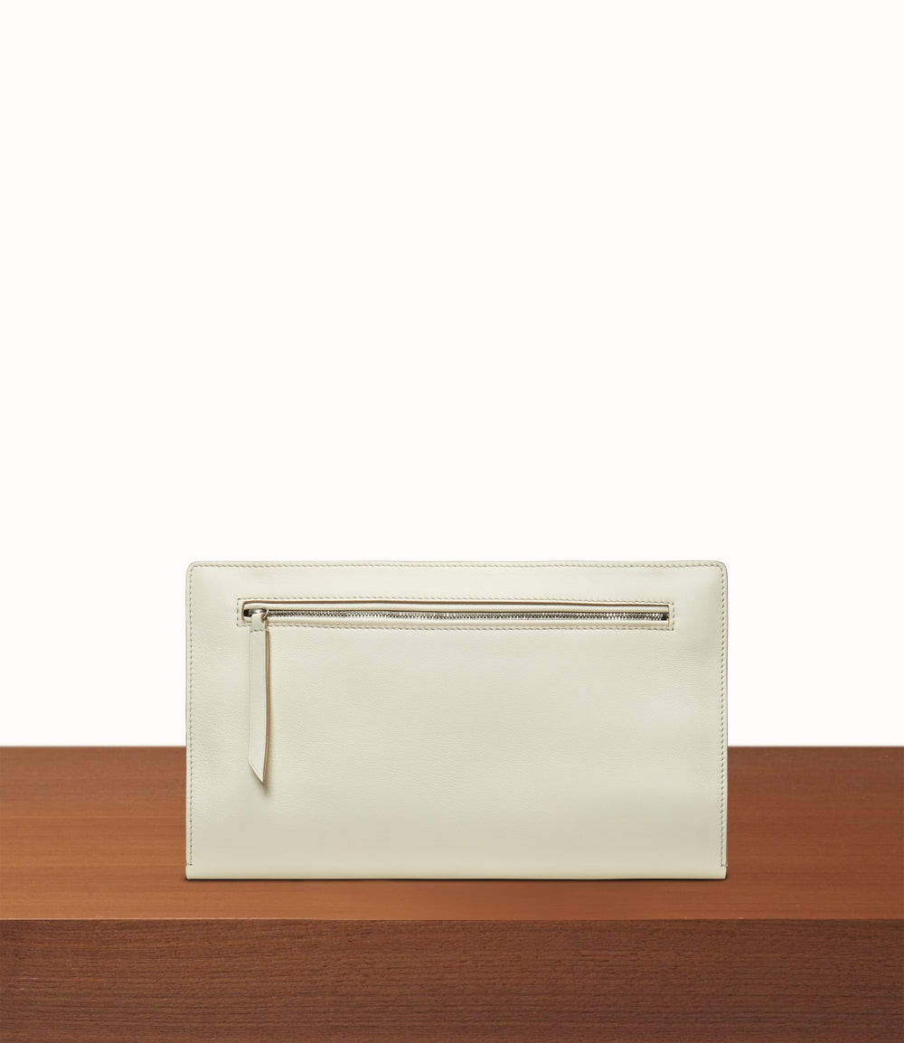 Runaway II Essentials Shoulder Bag Smooth Calfskin White Sand
