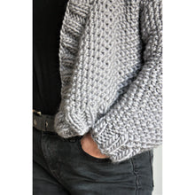Load image into Gallery viewer, Knitting Pattern - Chunky Knit Cropped Cardigan - King & Eye
