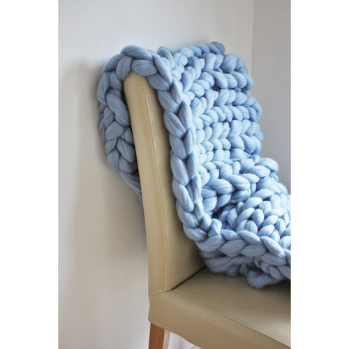 Handmade Chunky Knit Baby Blanket - King & Eye