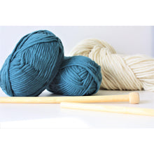 Load image into Gallery viewer, Luxury Super Bulky 100% Merino Yarn (Size 6) - King & Eye