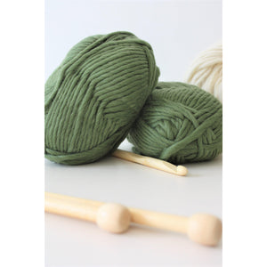 Super Chunky Pure Merino Wool Knitting Yarn Super Bulky Yarn Olive Green King and Eye