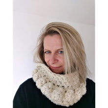 Load image into Gallery viewer, Crochet Pattern - Chunky Bobble Infinity Scarf (Easy For Beginners) - King & Eye