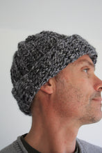 Load image into Gallery viewer, Crochet kit, Crochet Hat Kit, Crochet Hat For Men, Crochet Kit For Beginners, Gift For Crocheters, Crochet Kit with yarn UK