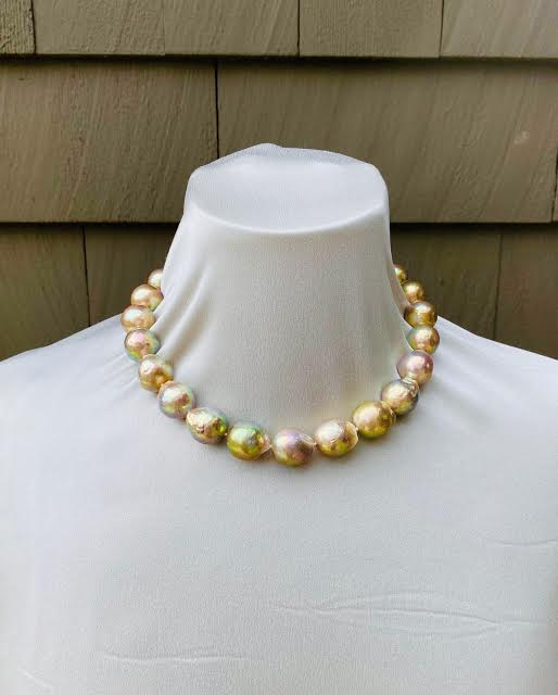 Pistachio Pear Necklace - Theresa Baybutt