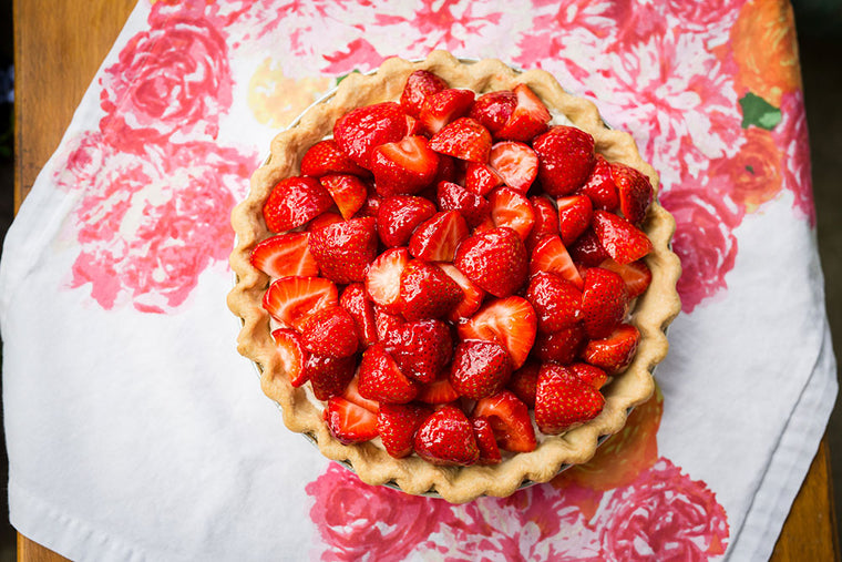Lazy Summer Strawberry Cream Pie