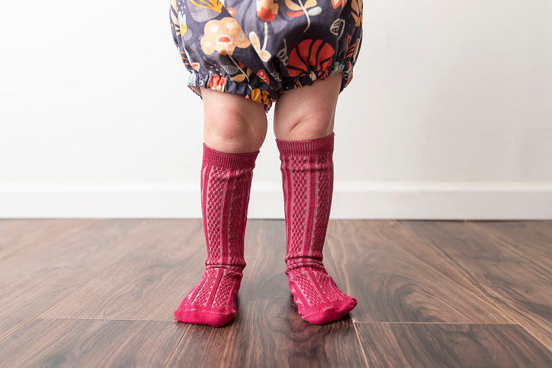 BRICKING RED KNEE HIGH SOCKS