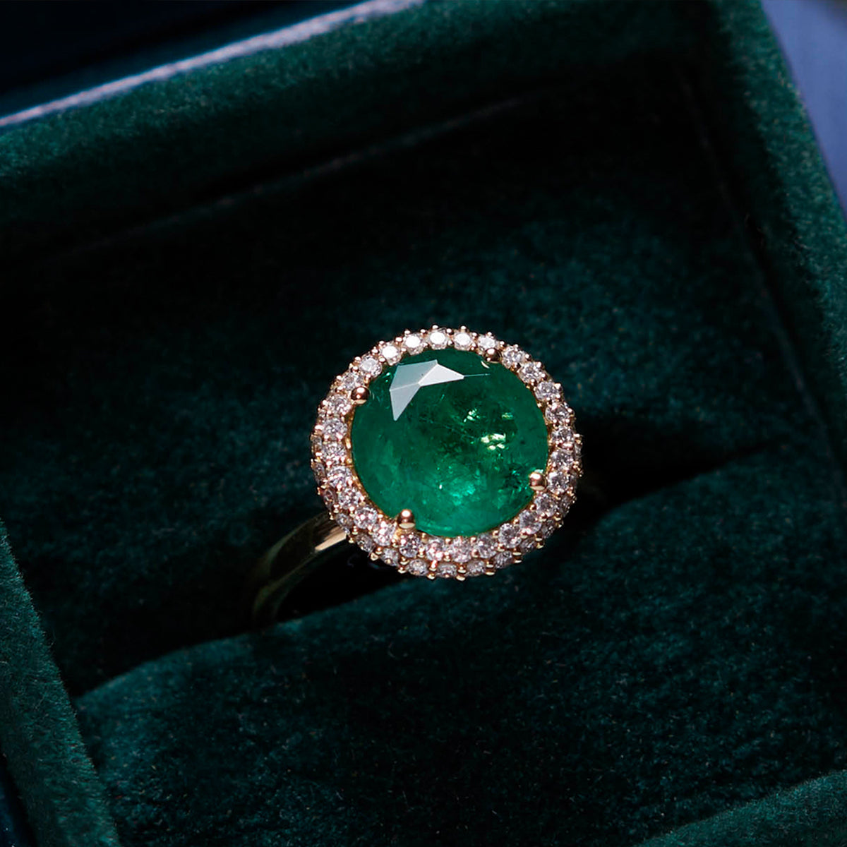 Clean Round Cut Emerald Vintage Ring from Fenton