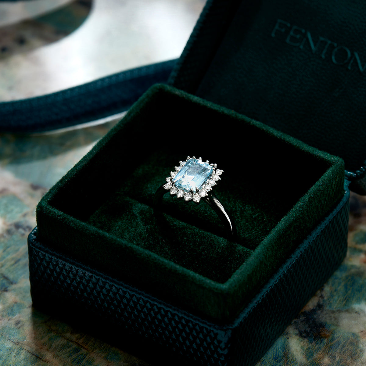 engagement ring, buying and engagement ring, lab grown vs natural diamonds / gemstones, ring errors, ring buying mistakes, what to look for when buying an engagement ring