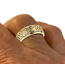Men's Yellow Gold Irish Celtic Knot Wedding Spinner Ring Band