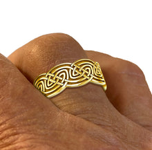 Men's Gold Irish Celtic Love Knot Wedding Band