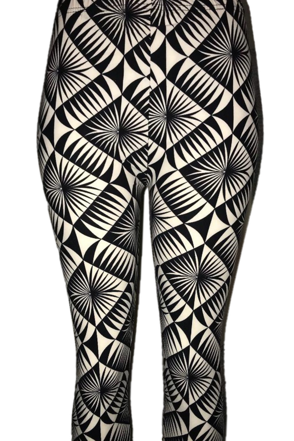 Black & White Bold Geometric Patterned Leggings