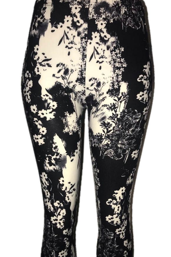 Black & White Bold Floral Print Leggings
