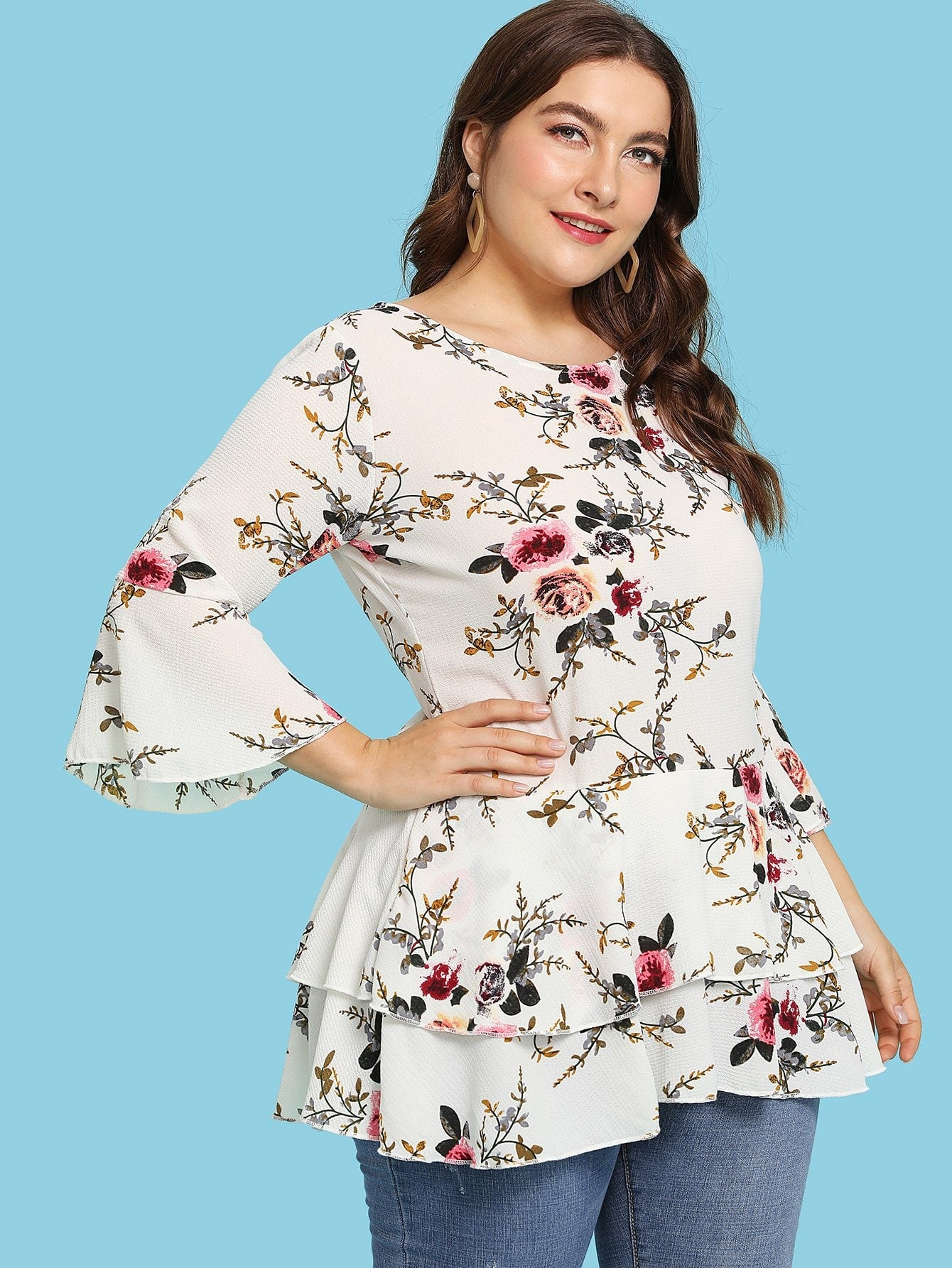 a8915844f31a76 Plus Size Fluted Sleeve Floral Print Tiered Hem Top