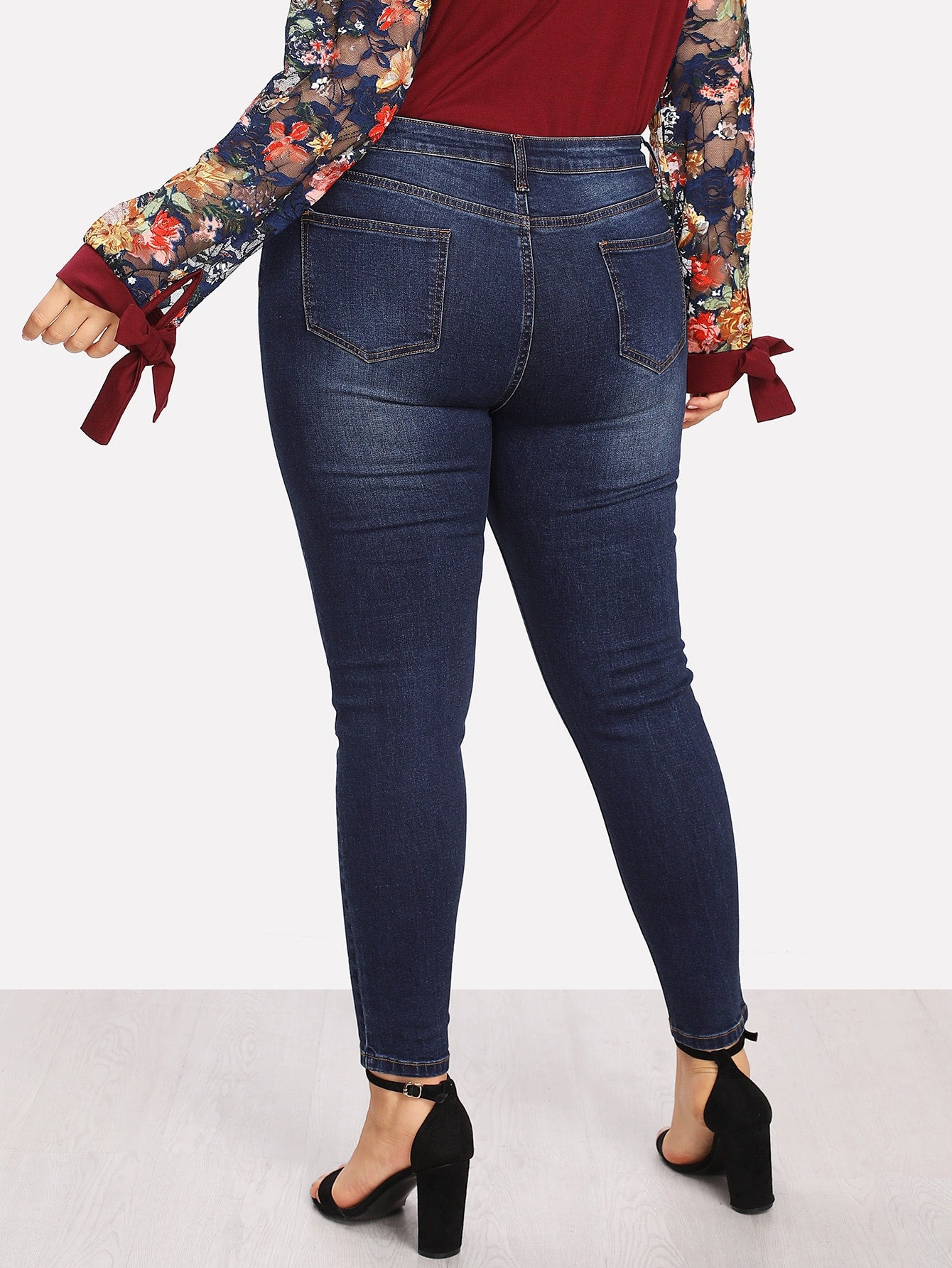 Plus Size Bleach Wash Skinny Jean