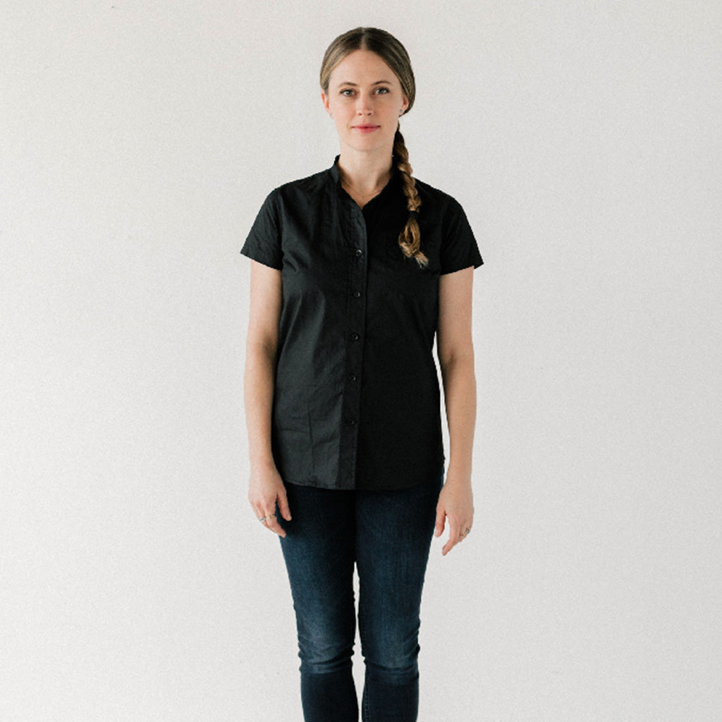 Womens Black S/S Banded Collar Service Shirt