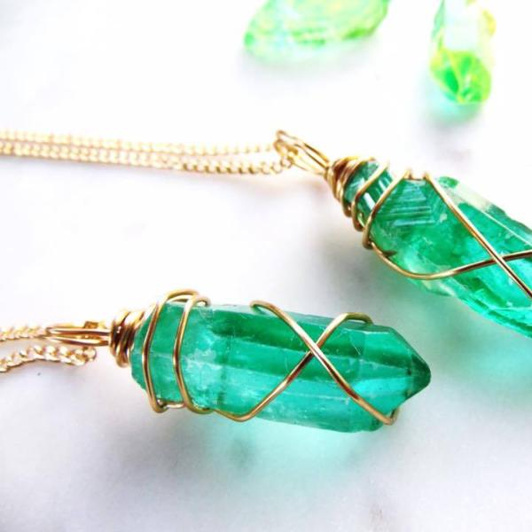 Crystal necklace | Quartz Crystal |  Quartz jewelry | Quartz Necklace | Crystal Jewelry | Emerald Necklace | Emerald Jewelry
