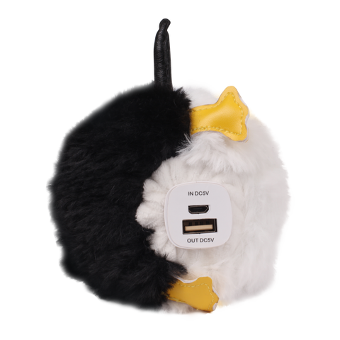 penguin pompom power bank usb and micro usb ports