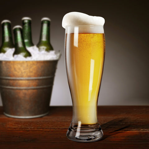 kraft xl beer glass filled with beer and bubbles