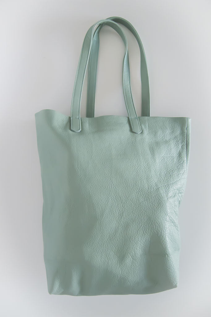 Basic Tote in Sea Glass