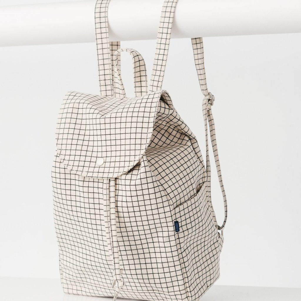 Drawstring Backpack in Natural Grid