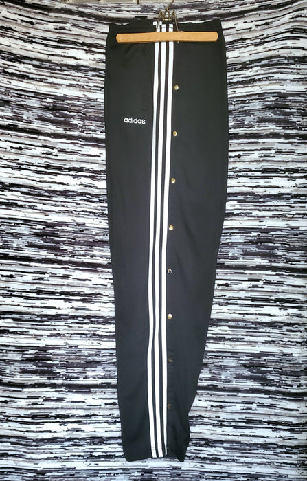 Adidas retro  Tearaways (Black/white spellout) size X-Large