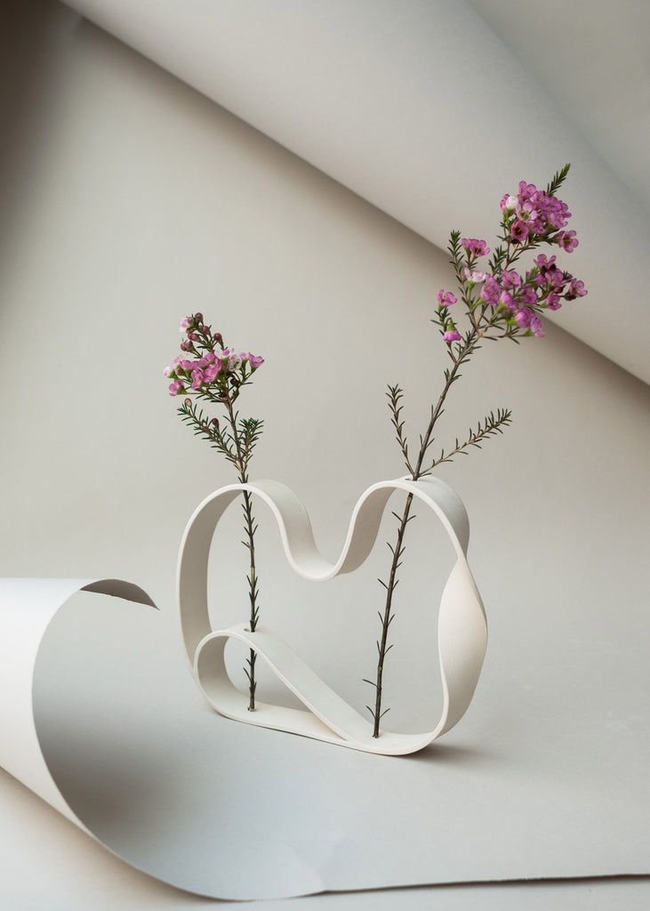 Slorence ring vase flowers