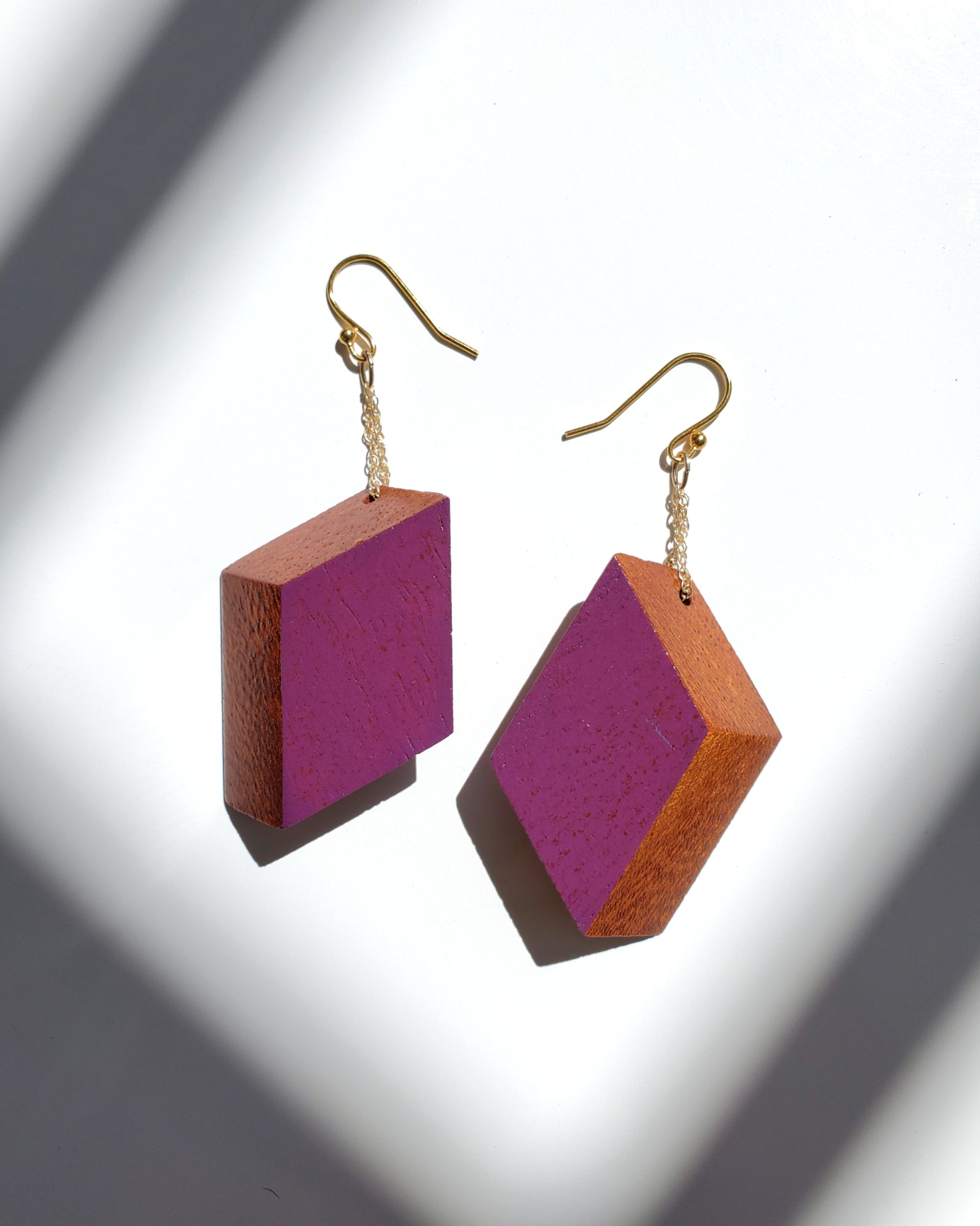Classic Pana Violet Earrings