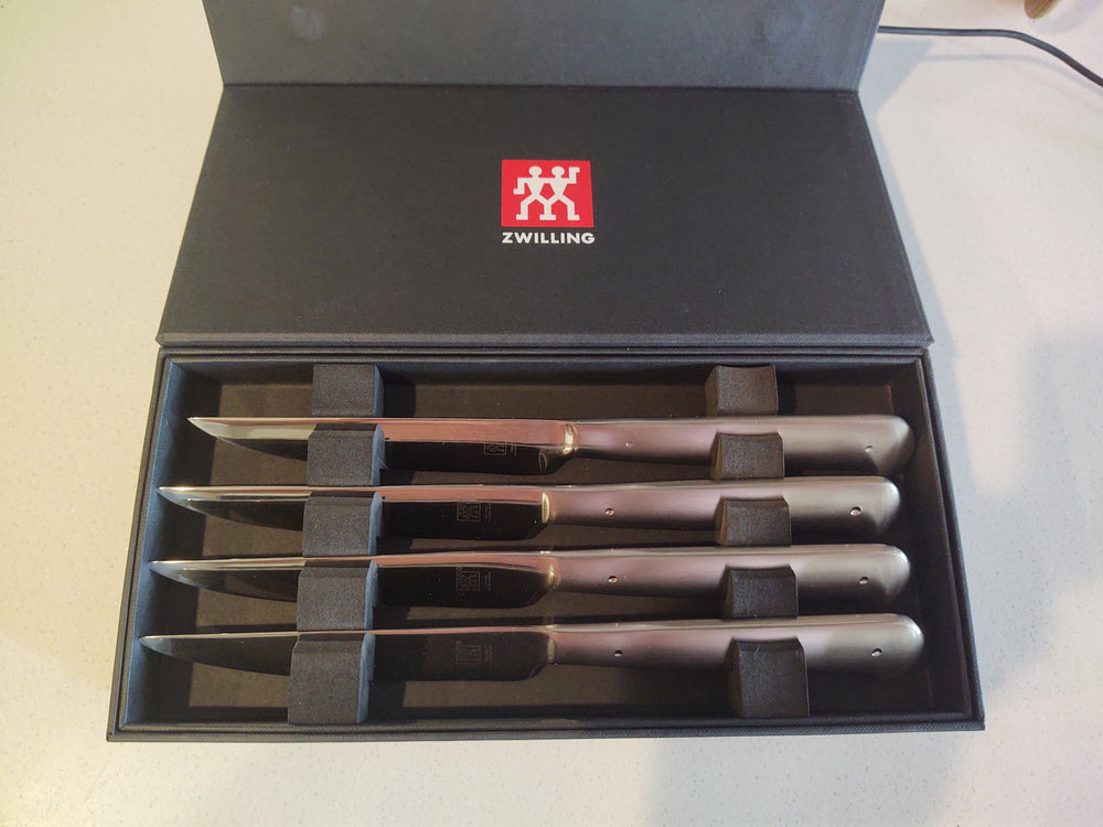 Zwilling Porterhouse 8 piece Engraved Steak Knife Set