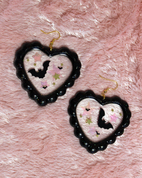 Bats In Starlight - Glittery Ruffled Jelly Heart with Bat Confetti & Iridescent Stars
