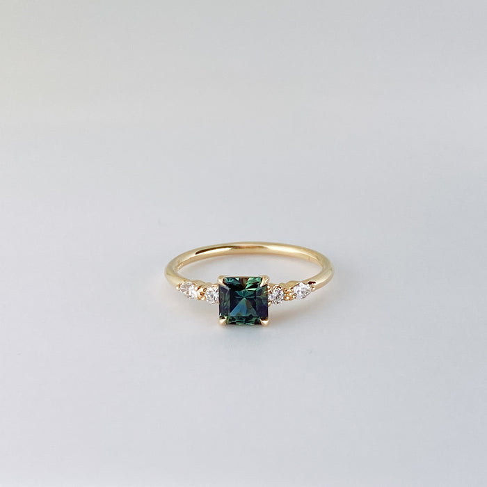 QUINN SQ.EMERALD CUT