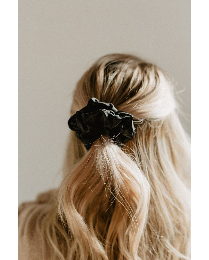 100% Silk Oeko-Tex Scrunchie - Black